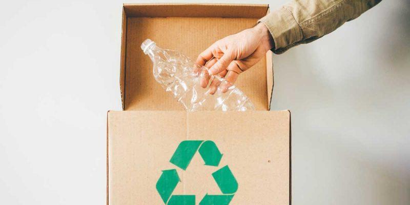 Come ridurre l'inquinamento da plastica in azienda